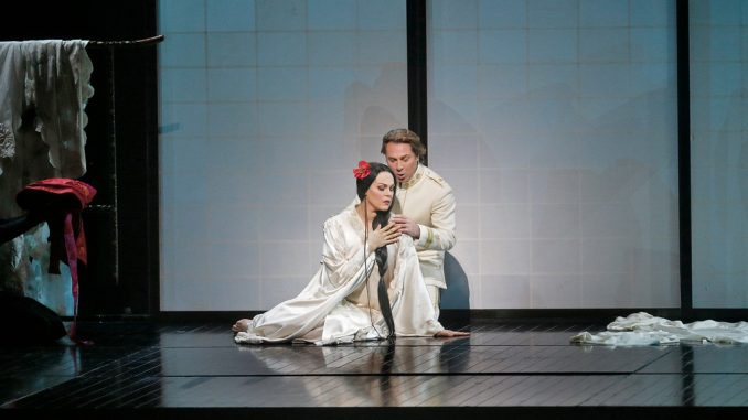 Kristine Opolais and Roberto Alagna in Madama Butterfly, copyright Marty Sohl