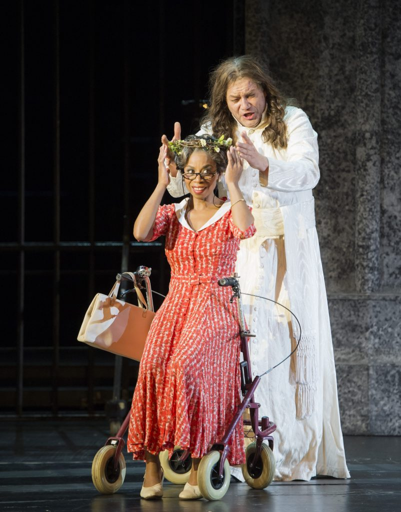 Zerlina (Cristina Clark) and Don Giovanni (Heiko Trinsinger) in Don Giovanni at the Essen Aalto Theater