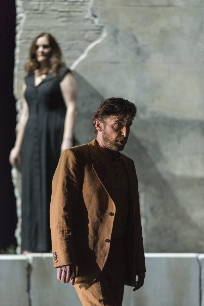 Greek Passion Martinu Katerina (Jessica Muirhead) and Manolios (Jeffrey Dowd) Matthias Jung
